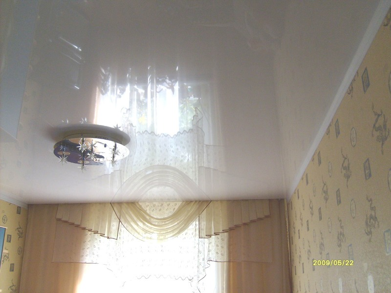 Как сделать натяжной потолок с нишей для штор, под гардину